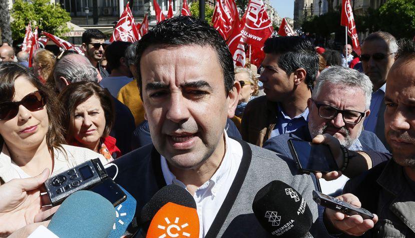 Mario Jiménez participa en la manifestación del Primero de Mayo en Sevilla