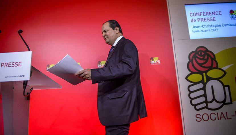 """Los socialistas franceses admiten la caída """"sin precedentes"""" de la izquierda"""